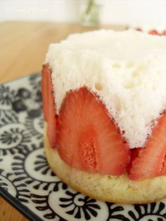 Strawberry Tartlets with Yogurt-Lime-Mousse