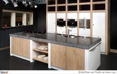 Tinello Etoile Eiken - Tinello keukenblokken & kookeilanden - foto's & verkoopadressen op Liever interieur