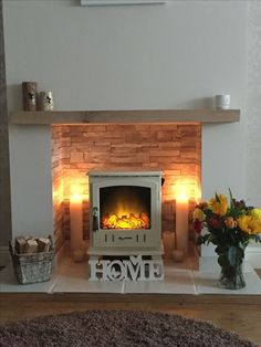 Most up-to-date Free of Charge Brick Fireplace log burner Tips Sometimes it makes sense to be able to miss this redesign! Rather then taking out a outdated brick fireplace , cut costs Log Burner Living Room, Living Room With Fireplace, New Living Room, Living Room Decor, Wood Burner Fireplace, Cosy Fireplace, Fireplace Design, Fireplace Ideas, Wood Burning Fireplaces