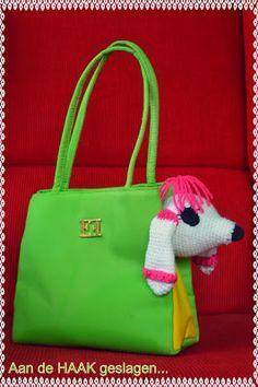 Dog in bag, free pattern