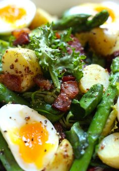 Bacon, potato and asparagus salad :: www.scarletscorchdroppers.com