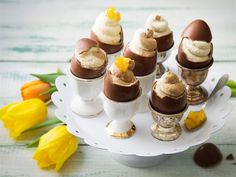 Fill chocolate eggs with chocolate or coffee-flavoured mousse