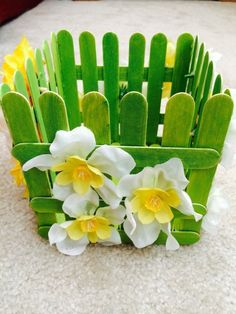 Easy Easter Crafts For Kids To Make crafts for teens Popsicle Stick Art, Popsicle Crafts, Craft Stick Crafts, Ice Cream Stick Craft, Wood Crafts, Popsicle Stick Crafts For Adults, Craft Sticks, Crafts For Kids To Make, Crafts For Teens