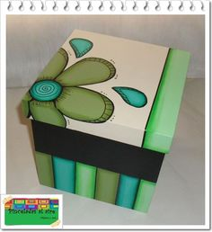 Painted Wooden Boxes, Funky Painted Furniture, Wood Boxes, Painted Dressers, Decoupage Box, Decoupage Vintage, Creative Arts And Crafts, Diy And Crafts, Ceramic Boxes
