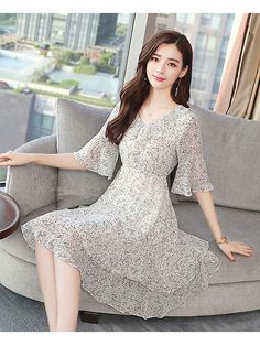 Wholesale Printing V Neck Chiffon Ruffle Dress from China to Japan Frock For Women, Elegant Dresses For Women, Pretty Dresses, Beautiful Dresses, Chiffon Ruffle, Ruffle Dress, Chiffon Dress, Casual Frocks, Sleeves Designs For Dresses