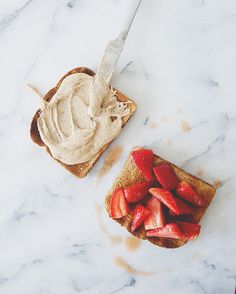 SEA SALT HONEY ALMOND BUTTER AND MACERATED BERRIES // The Kitchy Kitchen