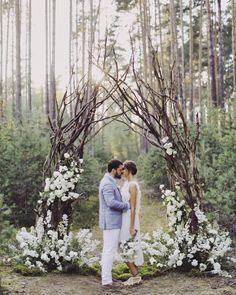 2,067 отметок «Нравится», 40 комментариев — Декор и цветы (@holiday_everyday) в Instagram: «3 дня провели в любимом @lesimorecamp оформляли свадьбу нереальной пары - Кати и Жени! Ребята,…»