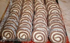 Érdekel a receptje? Hungarian Desserts, Hungarian Cake, Hungarian Cuisine, Hungarian Recipes, Hungarian Food, No Bake Desserts, Dessert Recipes, Waffle Cake, Easy Sweets