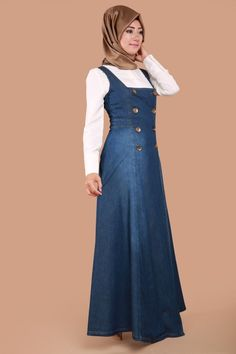 Kot elbise - Women's style: Patterns of sustainability Muslim Fashion, Fashion Wear, Denim Fashion, Skirt Fashion, Hijab Fashion, Fashion Outfits, Kurta Designs, Pinafore Dress Outfit, Pantalon Bleu Marine