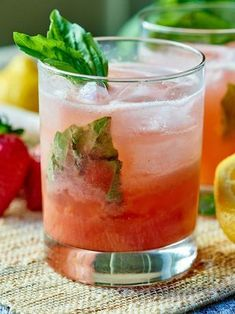 This strawberry basil gin cocktail is the perfect summer refreshment! #gincocktails
