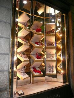 Window Valentino Falghsip, Via Montenapoleone 2012