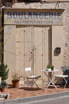Boulangerie shut in Fayence