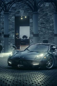 Pagani Huayra: Art, Emotion, Technology. Hit the pic to watch a beautifully made @XCAR Official video.