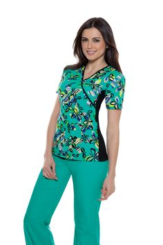 cute scrubs (for work) Cute Scrubs Uniform, Scrubs Outfit, Office Fashion, Work Fashion, Cute Medical Scrubs, Stylish Scrubs, Suit Accessories, Work Shirts, Suit Fashion
