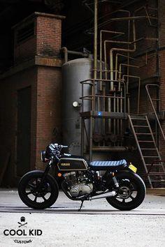 Yamaha By Cool Kid Customs. Kids Motorcycle, Cafe Racer Motorcycle, Yamaha Cafe Racer, Cafe Racers, Yamaha Rx100, Honda Shadow, Cool Motorcycles, Bike Style, Vintage Bikes