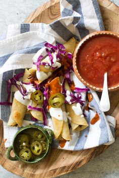 Succulent slow cooker shredded beef flavored with cumin, oregano and pickled jalapenos are stuffed into corn tortillas to create the tastiest Texas flavored flautas. @beeflovingtx #AD | #slowcooker #beef #Texasflavored #flautas #jalapeños | SweetLifeBake.com @SweetLifeBake