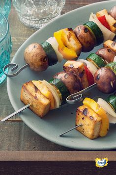 Vegetarians and meat eaters alike will love our delicious kabobs recipe. Heart Healthy Recipes, Vegetarian Recipes, Veggie Kabobs, Grilled Tofu, Kabob Recipes, Lemon Herb, Eating Habits, Spice Things Up, Main Dishes