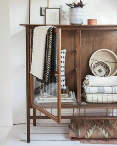 N E A T L I N E N S It's so great recycling antique furniture for more…