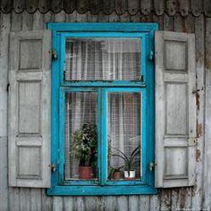 abriendo-puertas:    Pruszków, Poland. By Vahu