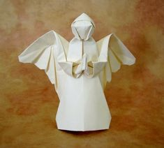 Origami Angel by Neal Elias folded by Gilad Aharoni