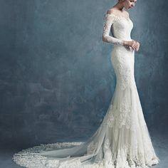 Lovewhite collection www.lovewhite.com.au #weddingdresses #bridaldresses #bridalgrown #yarravalleyweddings #madetomeasure #marryme #designyourdress #bestweddingdresses #dreamdress #simplewedding #weddingexp #vail #weddingaccessories #planyourwedding #lovewhitebridal #engaged #weddingvenue#melbourneweddingexpo#melbournebreakfast