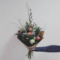 FRESH FLOWER BOUQUET F l o r a l S t y l i s t  (@pebbleanddot) Sweet little mini ♡ Fresh Flowers, Grapevine Wreath, Grape Vines, Bouquets, Wreaths, Mini, Sweet, Plants, Instagram