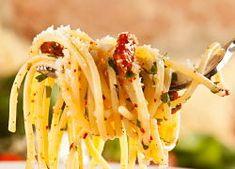 Spaghetti with Garlic Oil and Peperoncino