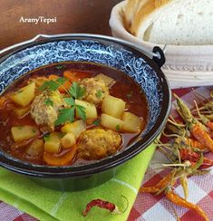 Rich meatball soup in a cauldron - Gazdag húsgombócleves bográcsban - AranyTepsi Meatball Soup, Goulash, Thai Red Curry, Grilling, Cooking Recipes, Chicken, Ethnic Recipes, Foods, Drinks