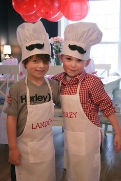 Pizza Chef Birthday Party {Ideas, Planning, Decor, Styling, Design} - Marlee's Birthday Little Chef Party - Baking Birthday Parties, Pizza Party Birthday, Joint Birthday Parties, Birthday Party Themes, 5th Birthday, Master Chef, Kids Chef Costume, Kids Pizza Party, Cooking With Kids Easy