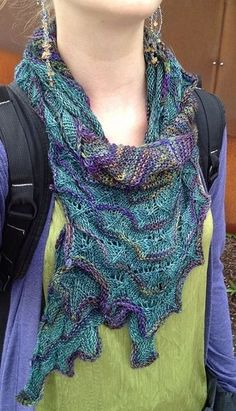 Free patterns for many scarfs: