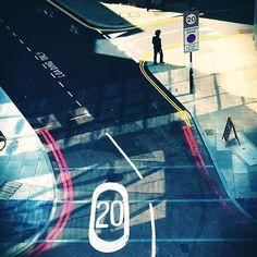 #silhouette #urban #landscape #urbanscape #minimalist #abstract #London #architecture #londonbridge #life_is_street #london #mrmmeteorite #southbank  #architecturaldetail #architecturelovers  #mobilephotography #streetphotography #iphoneography #minimalism