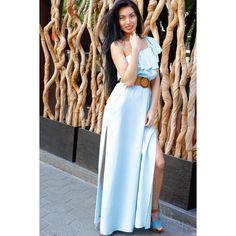 Ultimo día y PUENTEEE�� como estamos tan felices que mejor que ir preciosas com este precioso vestido de @guess denim a juego con las plataformas tambien @guess���� Visita nuestra web dandole al link de nuestra biografía ��  Modelo: @_missinnablack_  Fotografía: @katia_barcelona . . . #lookoftheday #lookofday #look #otd #fashion #fashionstyle #fashiongirl #look #loveguess #jeans #denimlook #denim�� http://butimag.com/ipost/1491979314048472626/?code=BS0k0gCFxYy