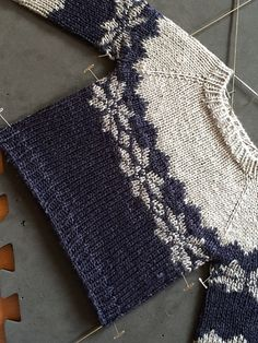 Ravelry: Project Gallery for Flax pattern by tincanknits