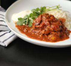 Pollo con sabores de la India Carne, Chana Masala, Chili, Soup, Beef, India, Ethnic Recipes, Spice, Chicken Thighs