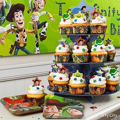 Make a cupcake rocket with the Toy Story Cupcake Stand! Click the pic for more rootin'-tootin' Toy Story party ideas! Woody Birthday Parties, Toy Story Birthday Cake, 2nd Birthday Party Themes, Boy Birthday, Birthday Photos, Birthday Ideas, Cumple Toy Story, Festa Toy Story, Toy Story Theme