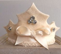 Modelo de Corona de Fieltro