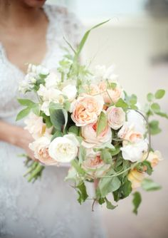 Light and airy Bridal bouquet. #garden #rose #wedding #flowers