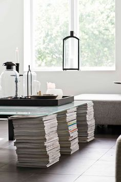 4 DIY's to Get You Thinking Outside the Traditional Coffee Table Box - The Interior Collective Magazine Table, Magazine Storage, Bric À Brac, Sweet Home, Recycling, Decoration Originale, Interior Decorating, Interior Design, Decorating Ideas