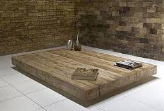 Mesa de centro em madeira de demolição -