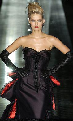 CoCo is Haute:  Valentino Haute Couture F/W 2004