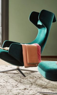 Best Hotel Armchair – Dali Chair By Nathan Anthony Furniture Vitra Furniture, Metal Furniture, Luxury Furniture, Furniture Design, Black Velvet Chair, Velvet Chairs, Vitra Lounge Chair, Hotel Lobby Design, Home Depot Adirondack Chairs
