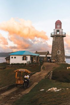 Our 22 exciting things to do in Batanes. Since visiting tourist spots, food trip, enjoying the beaches and meeting the locals in Batanes. Philippines Beaches, Philippines Travel, Visit Philippines, Vigan, Destin Beach, Beach Trip, Hawaii Beach, Oahu Hawaii, Beach Travel