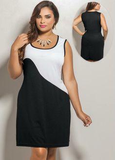 Vestido Curto Bicolor Plus Size Preto e Branco - Posthaus