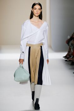 Victoria Beckham Spring 2017 Ready-to-Wear Collection Photos - Vogue