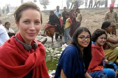 "christy-turlington in Bangladesh directing "" No woman, no cry"""