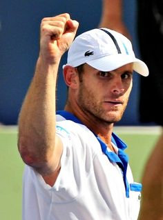 Andy Roddick wins the point
