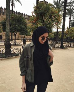 Image in hijab💖 collection by Zahraa A. Hijab Fashion Summer, Modern Hijab Fashion, Street Hijab Fashion, Hijab Fashion Inspiration, Islamic Fashion, Muslim Fashion, Modest Fashion, Fashion Outfits, Street Outfit