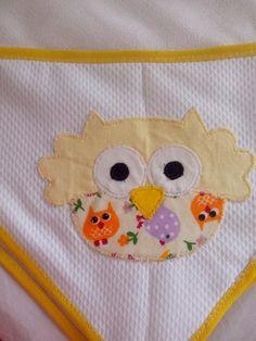 Fralda bordada coruja amarela