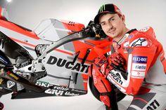 MotoGP - Fotogaleria: A apresentação da Ducati - MotoSport - MotoSport Ducati, Motogp Teams, Motosport, Sepang, Valentino Rossi, Motorcycle Jacket, Champion, Product Launch, Hoodie