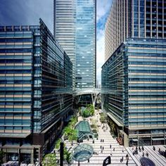Tokyo Midtown boldly reclaims an 8-hectare site for public benefit. SOM's master plan allocates 465,000 square meters of mixed-use development and includes a five-acre park. A signature tower, one of Tokyo's tallest, contains offices, residences,